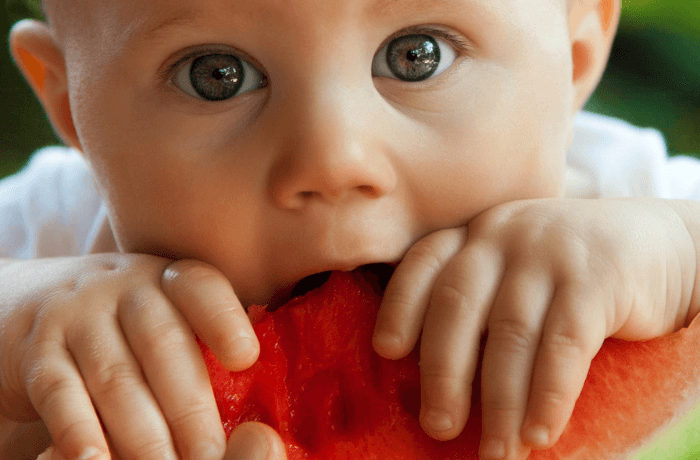 when to give baby solid food